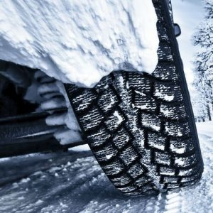 Kein Versicherungsschutz bei Sommerreifen im Winter?